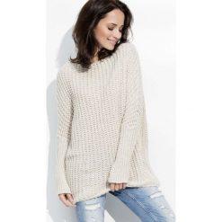 Beżowy Cieplutki Luźny Sweter z Angielskim Ściegiem. Czerwone swetry klasyczne damskie marki Molly.pl, l, z jeansu, biznesowe, z dekoltem na plecach, z długim rękawem. Za 102,90 zł.