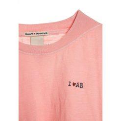 T-shirty chłopięce z nadrukiem: Scotch R'Belle DYE WITH SMALL BADGE Tshirt z nadrukiem cherry blossom