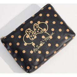 Kosmetyczka ze skóry ekologicznej Mickey Mouse Special Collection - Czarny. Czarne kosmetyczki damskie Mohito, z motywem z bajki, ze skóry ekologicznej. Za 34,99 zł.
