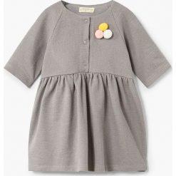Sukienki dziewczęce z falbanami: Mango Kids – Sukienka dziecięca Penelope 80-104 cm
