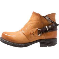 A.S.98 Ankle boot dora. Żółte botki damskie skórzane A.S.98. Za 839,00 zł.