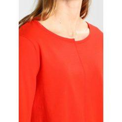 Bluzki asymetryczne: Rich & Royal SPLICE CREW Bluzka z długim rękawem flame red
