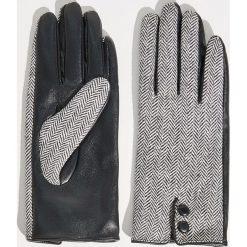 Rękawiczki w jodełkę - Wielobarwn. Szare rękawiczki damskie Sinsay. Za 29,99 zł.