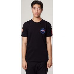 NASA HEAVY T-SHIRT BLACK. Czarne t-shirty męskie Alpha Industries. Za 219,99 zł.