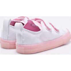Converse - Tenisówki dziecięce. Szare buty sportowe dziewczęce Converse, z gumy, z okrągłym noskiem. W wyprzedaży za 159,90 zł.