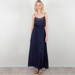 Długie sukienki: Długa gładka sukienka rozkloszowana