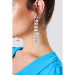 Kolczyki damskie: NA-KD Party Wysadzane diamentami kolczyki w kształcie liści – Silver