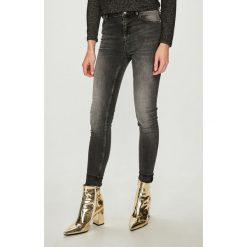 Review - Jeansy. Czarne jeansy damskie rurki Review, z bawełny, z podwyższonym stanem. Za 179,90 zł.