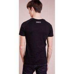 Plein Sport ROUND NECK LIONEL Tshirt z nadrukiem black. Czarne koszulki polo marki Plein Sport, m, z nadrukiem, z bawełny. W wyprzedaży za 401,40 zł.