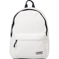 Tommy Jeans CLASSIC BACKPACK Plecak white. Białe plecaki męskie Tommy Jeans, z jeansu. Za 379,00 zł.