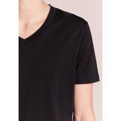 Emporio Armani Tshirt basic nero. Czarne koszulki polo Emporio Armani, m, z bawełny. Za 249,00 zł.