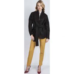 Płaszcze damskie: Czarny Płaszcz Krótki Elegancki z Wiązanym Paskiem