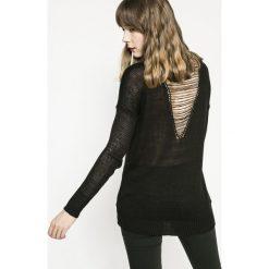 Medicine - Sweter Girl Power. Szare swetry klasyczne damskie marki MEDICINE, l, z dzianiny, z okrągłym kołnierzem. W wyprzedaży za 59,90 zł.