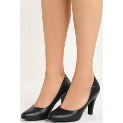 Czarne Czółenka Do Ya. Czarne buty ślubne damskie Born2be, ze skóry, na niskim obcasie, na słupku. Za 69,99 zł.