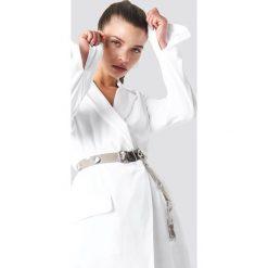 Paski damskie: NA-KD Accessories Transparentny pasek z oczkami - Grey