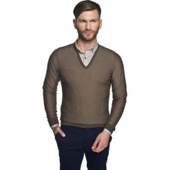 Sweter solvay w serek beż. Szare swetry klasyczne męskie Recman, m, z dekoltem w serek. Za 249,00 zł.