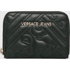 Versace Jeans - Portfel. Czarne portfele damskie Versace Jeans, z jeansu. W wyprzedaży za 239,90 zł.
