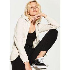 Odzież damska: Bluza z kapturem - Kremowy