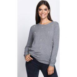 Ciemnoszary Sweter Loved Again. Szare swetry klasyczne damskie Born2be, l, z okrągłym kołnierzem. Za 69,99 zł.