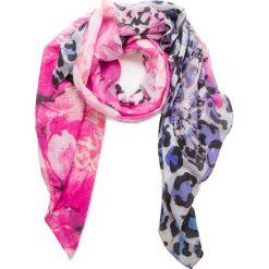 Chusta GUESS - AW7810 POL03 PIN. Różowe chusty damskie Guess, z materiału. Za 219,00 zł.