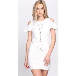 Sukienki: Biała Sukienka Adventurous Spirit
