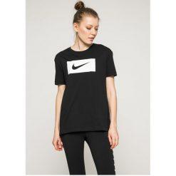 Nike Sportswear - Top. Szare topy damskie Nike Sportswear, m, z nadrukiem, z bawełny, z krótkim rękawem. Za 99,90 zł.