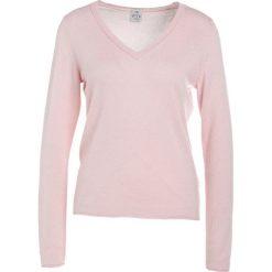 FTC Cashmere PULLI V NECK Sweter rose. Czerwone swetry klasyczne damskie FTC Cashmere, m, z kaszmiru. W wyprzedaży za 486,85 zł.