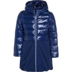 Benetton GIRL Płaszcz zimowy dark blue. Niebieskie kurtki chłopięce marki Benetton, na zimę, z materiału. W wyprzedaży za 161,85 zł.