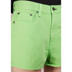 Rag & bone JUSTINE SHORT Szorty jeansowe lim. Zielone bermudy damskie rag & bone, z bawełny. W wyprzedaży za 417,45 zł.