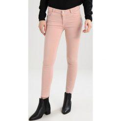 Mos Mosh SUMNER PANT Jeans Skinny Fit rose. Czerwone boyfriendy damskie Mos Mosh. Za 419,00 zł.