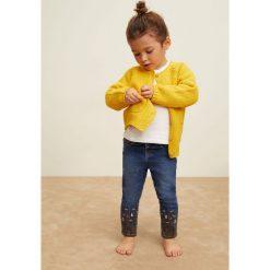 Mango Kids - Jeansy dziecięce Florence 86-104 cm. Niebieskie rurki dziewczęce Mango Kids, z haftami, z bawełny. Za 79,90 zł.