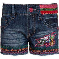 Desigual FERNAN Szorty jeansowe azul. Niebieskie szorty jeansowe damskie marki Desigual. W wyprzedaży za 174,30 zł.