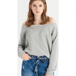 Bluza z prostym dekoltem - Jasny szar. Szare bluzy damskie Sinsay, l. Za 39,99 zł.
