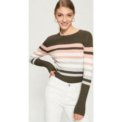 Obcisły sweter w paski - Khaki. Brązowe swetry klasyczne damskie marki Sinsay, l. W wyprzedaży za 29,99 zł.