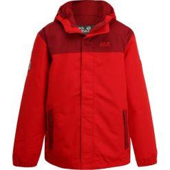 Jack Wolfskin KAJAK FALLS Kurtka Outdoor ruby red. Czerwone kurtki damskie turystyczne marki Reserved, z kapturem. W wyprzedaży za 299,25 zł.