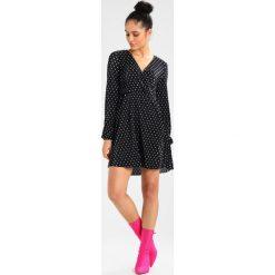 Sukienki hiszpanki: Gina Tricot DYLAN DRESS Sukienka letnia white/black