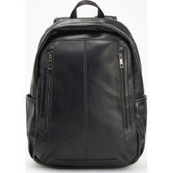 Czarny plecak z eko skóry - Czarny. Czarne plecaki męskie Reserved, ze skóry. Za 149,99 zł.