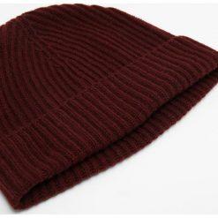 Johnstons Cashmere Czapka port. Czerwone czapki damskie Johnstons Cashmere, z kaszmiru. W wyprzedaży za 303,20 zł.
