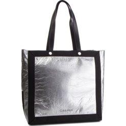 Torebka CALVIN KLEIN - Outline Ew Shopper K60K604815 910. Szare shopper bag damskie Calvin Klein, z materiału. Za 599,00 zł.