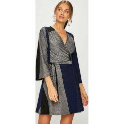 Answear - Sukienka. Szare sukienki dzianinowe ANSWEAR, na co dzień, m, casualowe, mini, rozkloszowane. Za 169,90 zł.