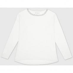 Sweter kaszmirowy w kolorze białym. Białe swetry klasyczne damskie marki Ateliers de la Maille, z kaszmiru, z okrągłym kołnierzem. W wyprzedaży za 500,95 zł.