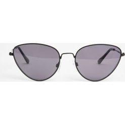 Okulary przeciwsłoneczne damskie aviatory: Metalowe okulary przeciwsłoneczne typu cat eye