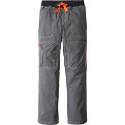 Spodnie bojówki, mocne i szybko schnące bonprix dymny szary. Szare spodnie chłopięce marki bonprix, melanż, z dresówki. Za 37,99 zł.