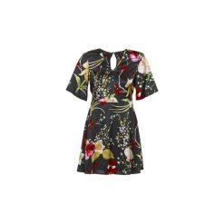 Sukienki krótkie Vero Moda  VMJESSICA. Sukienki małe czarne Vero Moda, l, z krótkim rękawem. Za 111,30 zł.