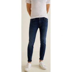 Mango Man - Jeansy Jude3. Niebieskie jeansy męskie Mango Man, z bawełny. Za 139,90 zł.