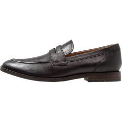 Clarks GLIDE FREE Eleganckie buty black. Czarne buty wizytowe męskie Clarks, z materiału. Za 419,00 zł.