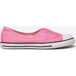 Converse - Tenisówki dziecięce Chuck Taylor All Star. Różowe buty sportowe dziewczęce Converse, z materiału. W wyprzedaży za 119,90 zł.