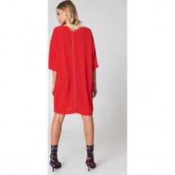 Rut&Circle Sukienka Isabelle - Red. Zielone sukienki mini marki Rut&Circle, z dzianiny, z okrągłym kołnierzem. W wyprzedaży za 64,78 zł.