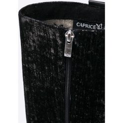 Caprice - Kozaki. Czarne botki damskie skórzane Caprice, z okrągłym noskiem. W wyprzedaży za 329,90 zł.