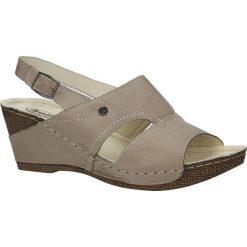 Beżowe sandały skórzane na koturnie Helios 217. Brązowe sandały damskie marki Helios, na koturnie. Za 168,99 zł.